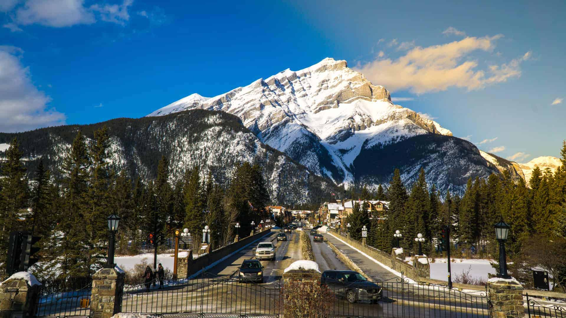 Banff-Sunshine-Village-Skiing-1