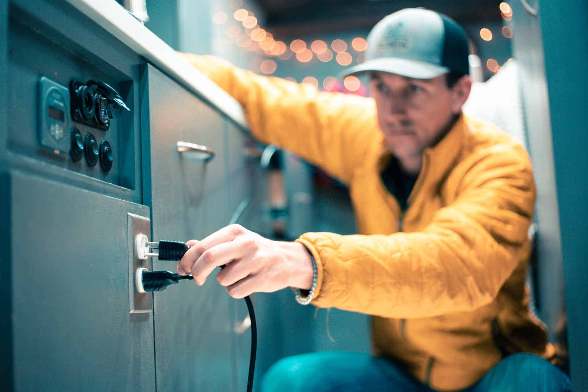 How-to Choose an Inverter for a DIY Camper Van Electrical System