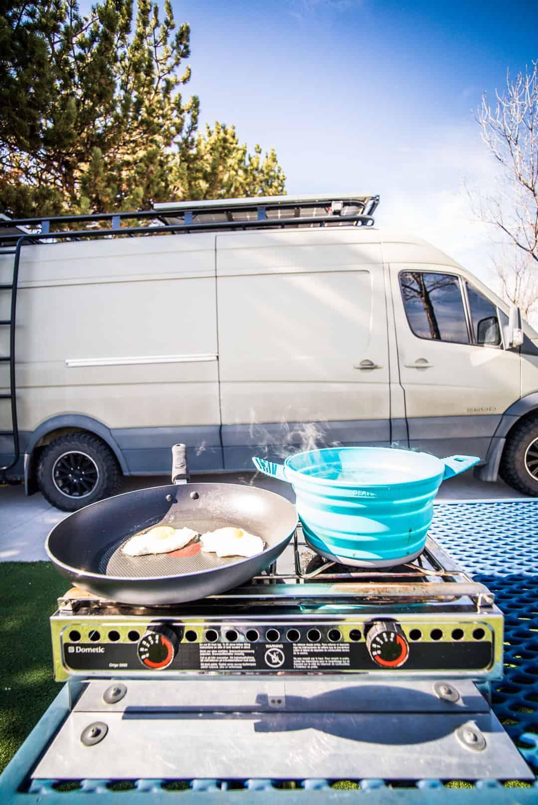 Portable Camp Stove Review - Dometic Origo 3000 Camper Van Alcohol Stove-4
