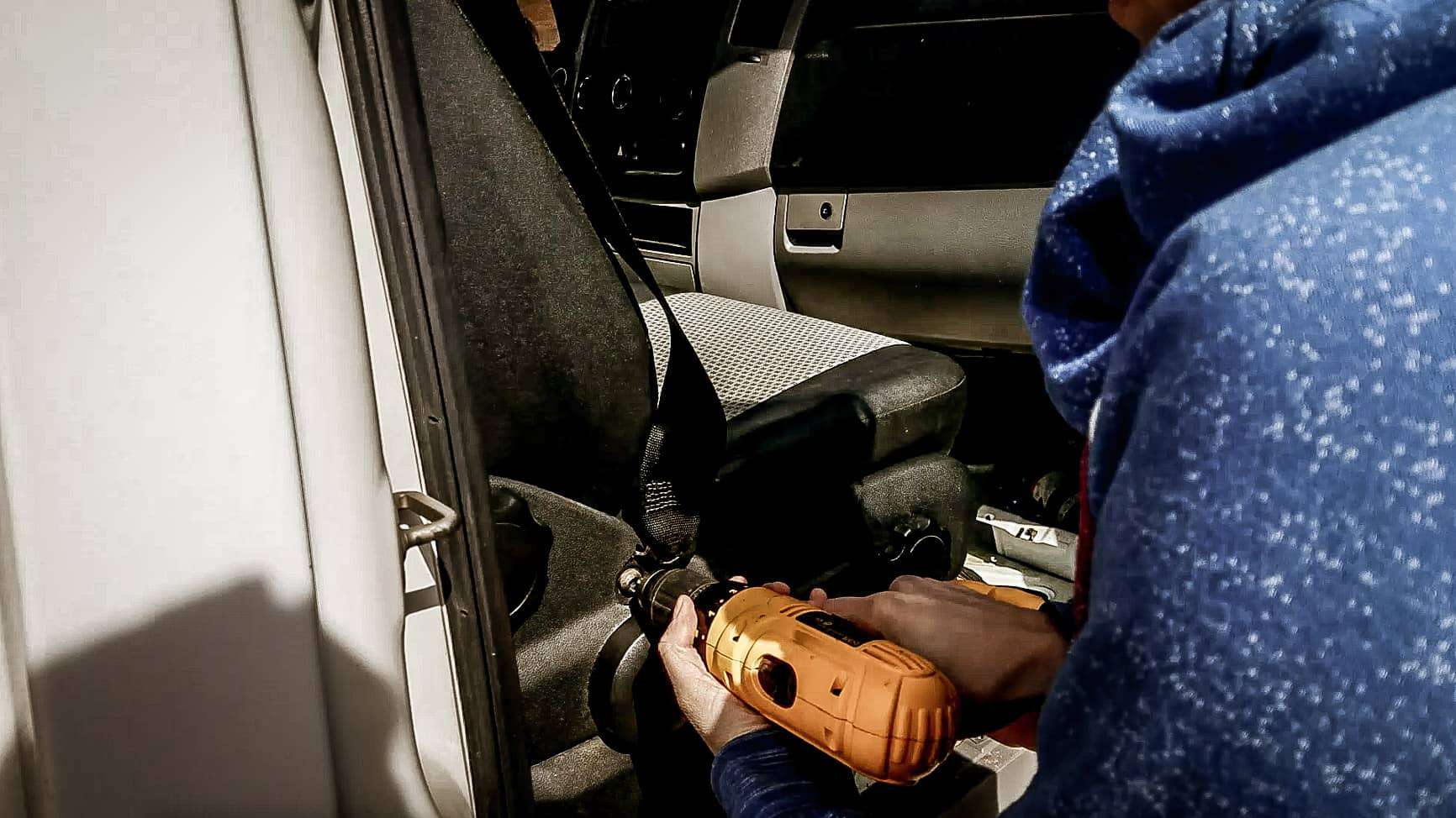 How to Remove the Seats in a Mercedes Sprinter